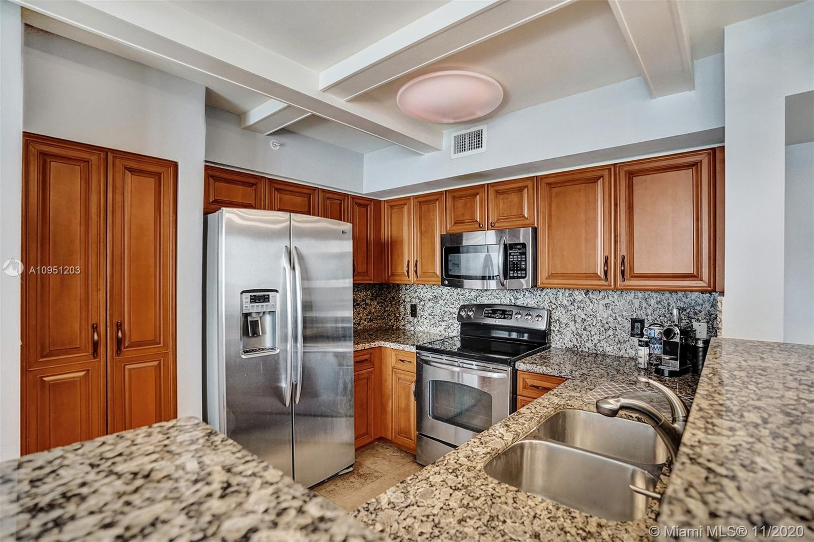1155 Brickell Bay Dr #1009 photo05