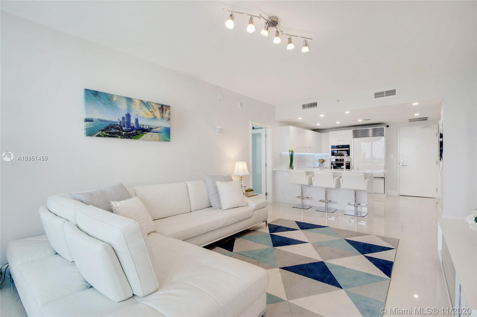 6799 Collins Ave #1404 photo06