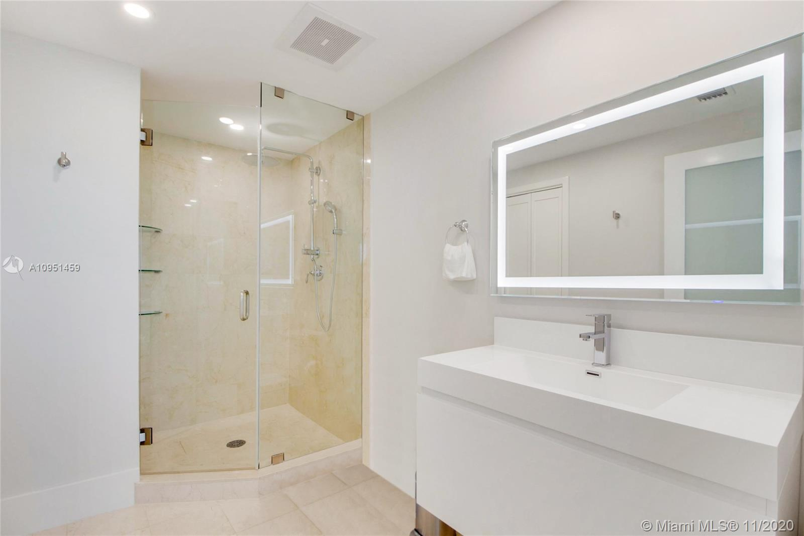 6799 Collins Ave #1404 photo014