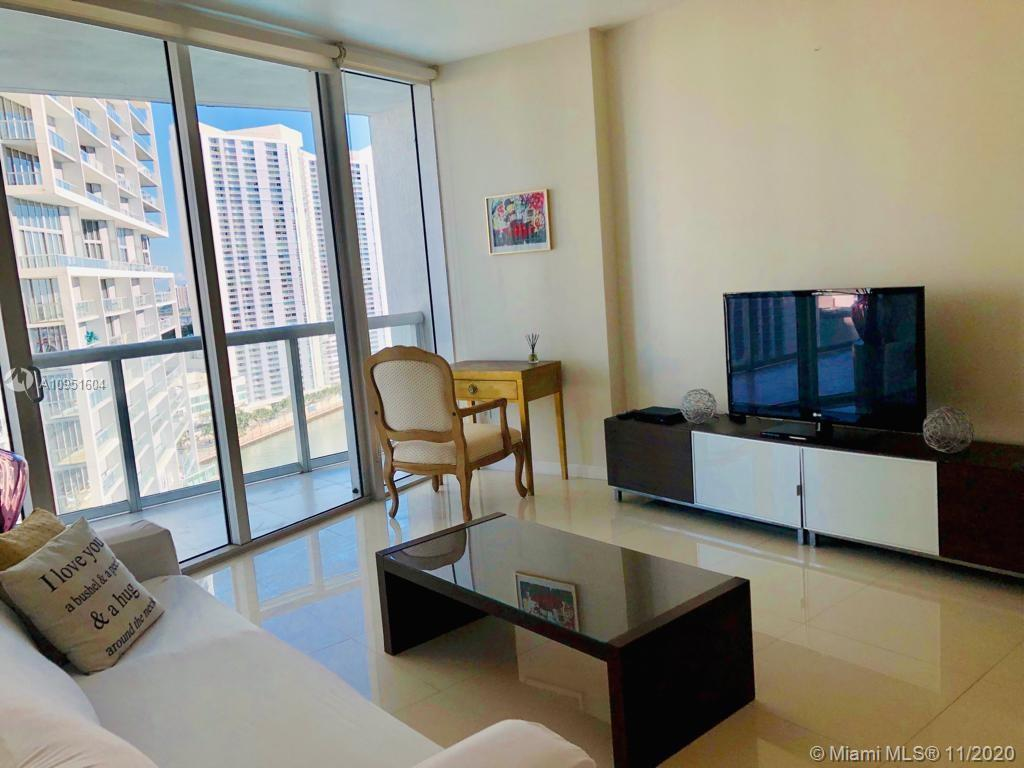 495 Brickell Ave #2106 photo05