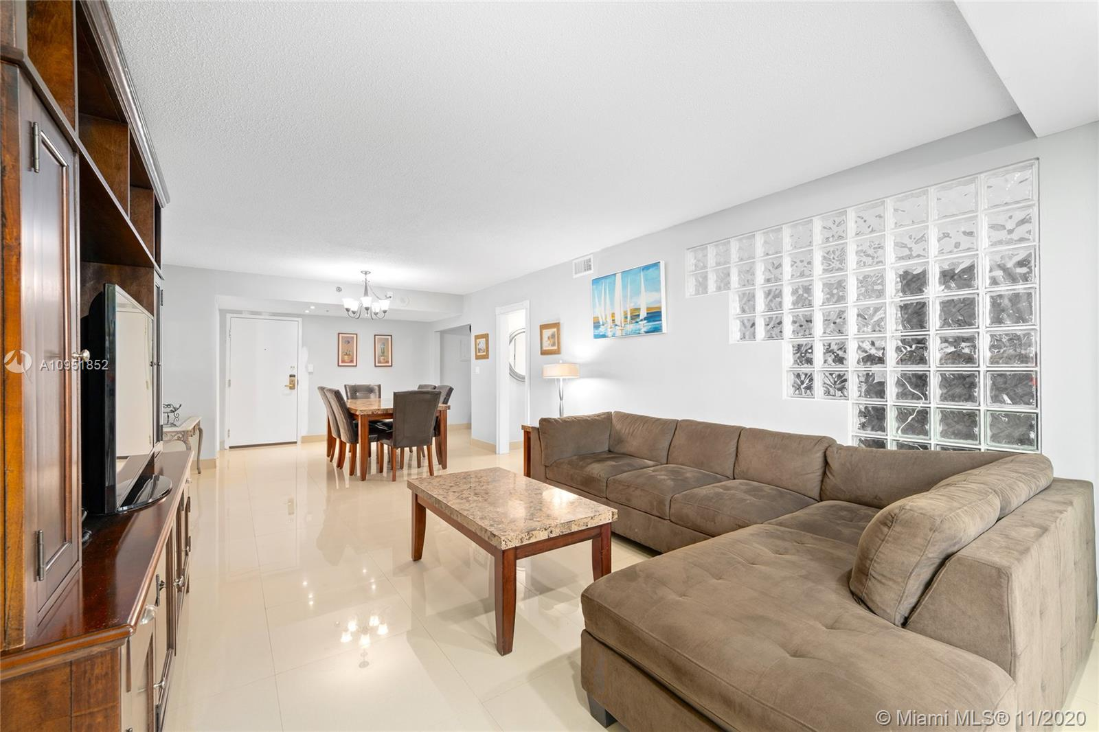 5225 Collins Ave #416 photo03
