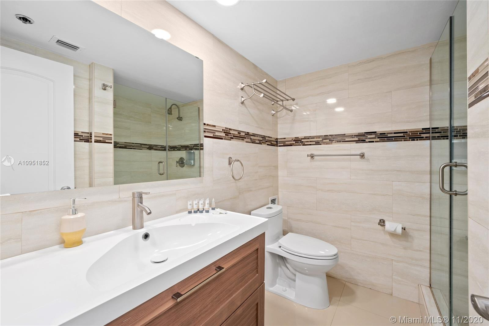5225 Collins Ave #416 photo011