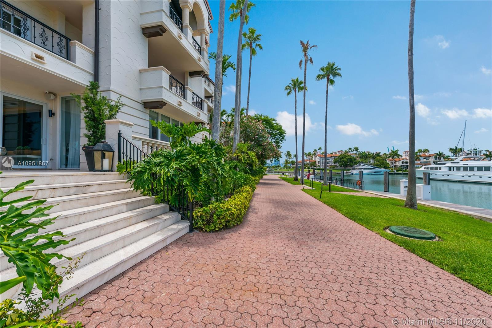 2514 Fisher Island Dr #6104 photo040