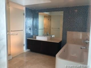 150 Sunny Isles Blvd #1-1703 photo09
