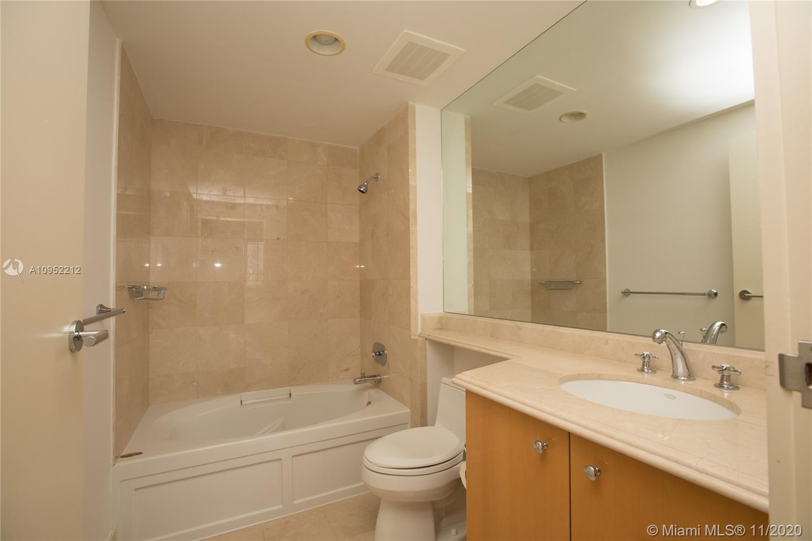 17875 Collins Ave #1906 photo027