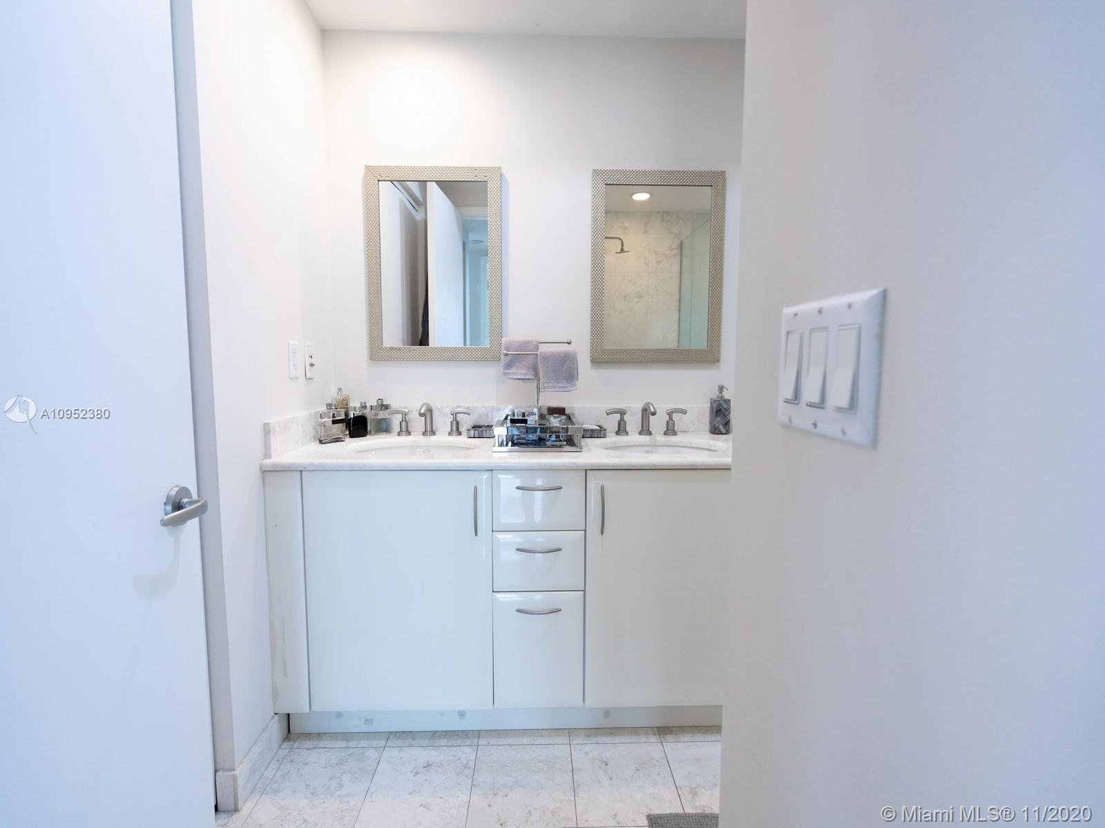 1331 Brickell Bay Dr #404 photo010