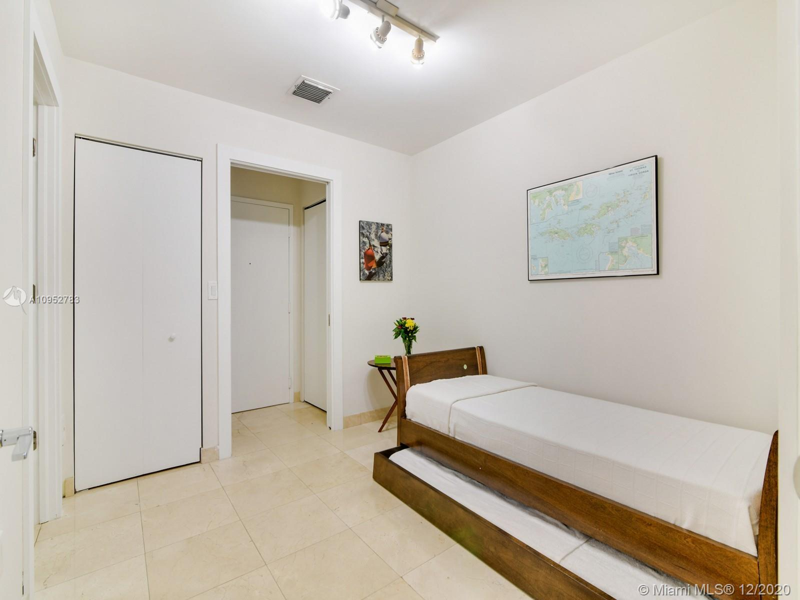 9559 Collins Ave #SPH-J photo012