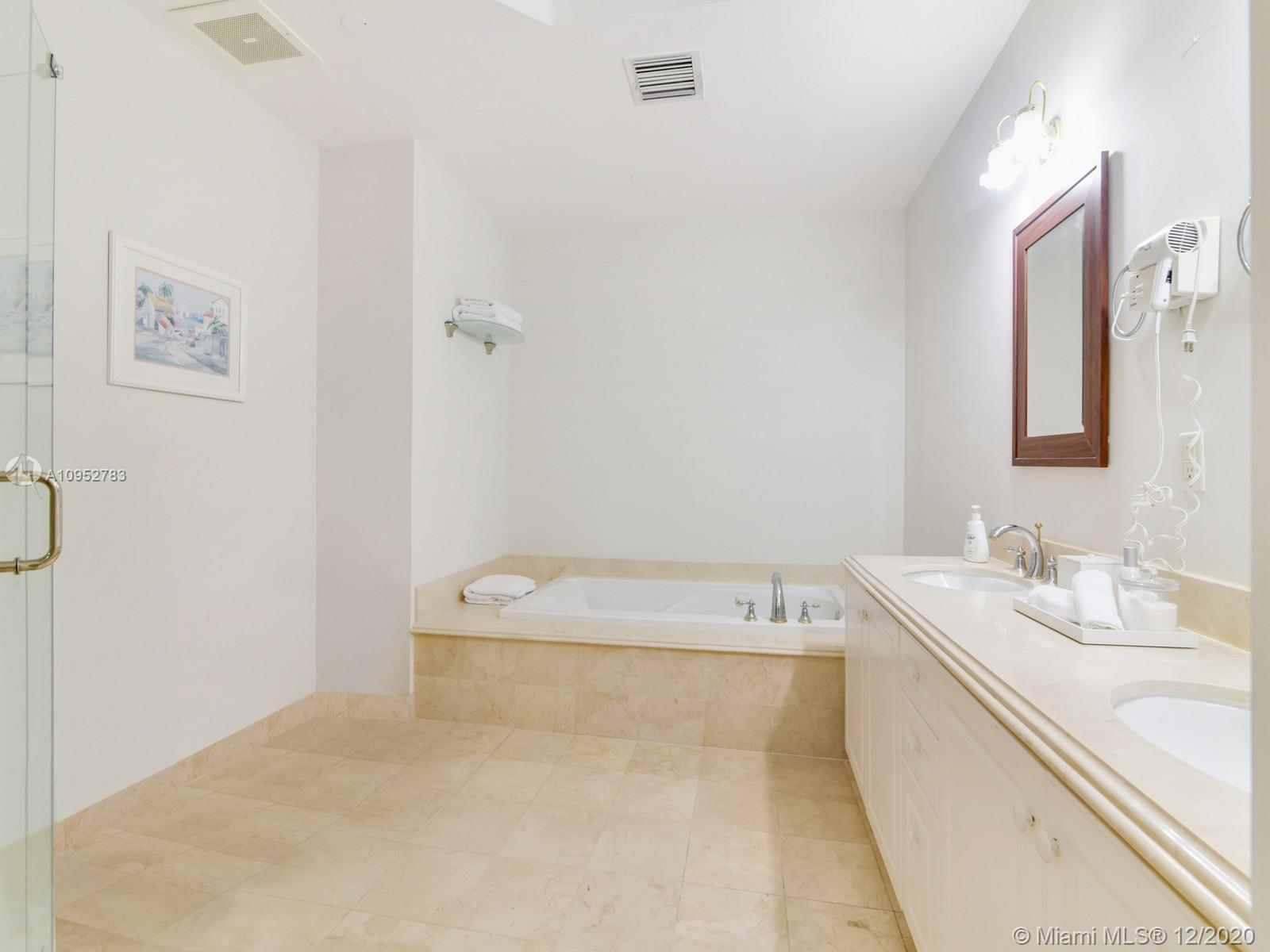 9559 Collins Ave #SPH-J photo09