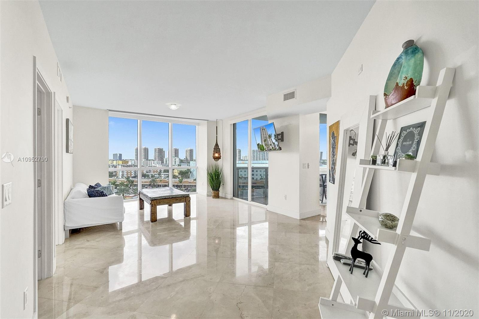 18201 Collins Ave #901A photo01