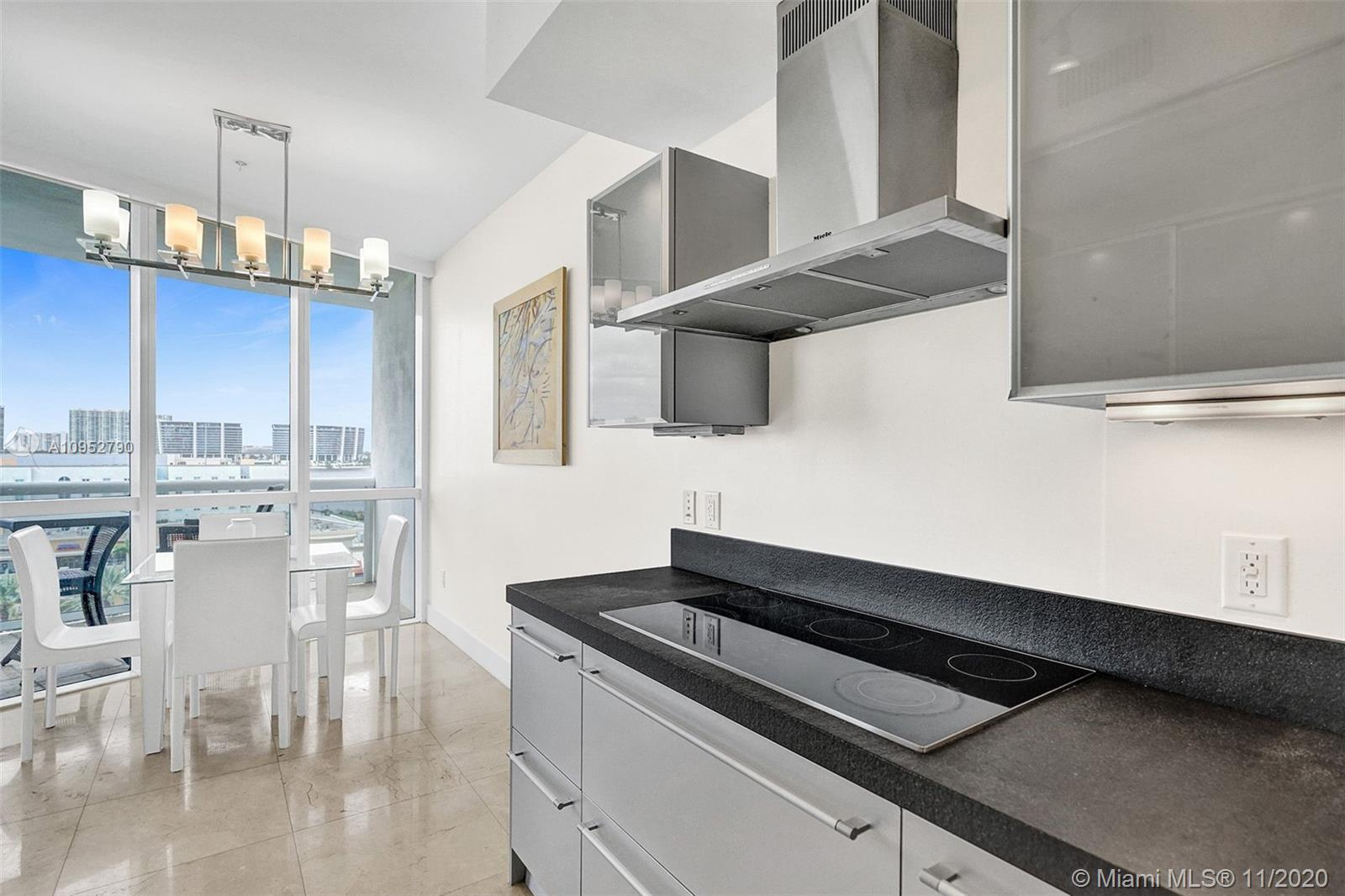 18201 Collins Ave #901A photo09