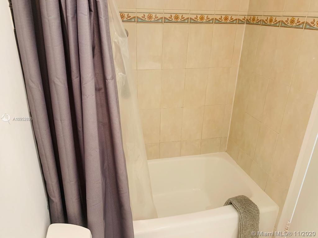 5445 Collins Ave #604 photo09