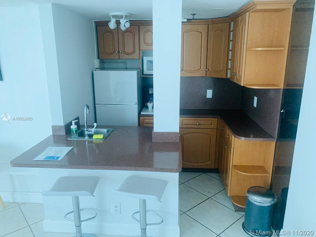 5445 Collins Ave #604 photo08