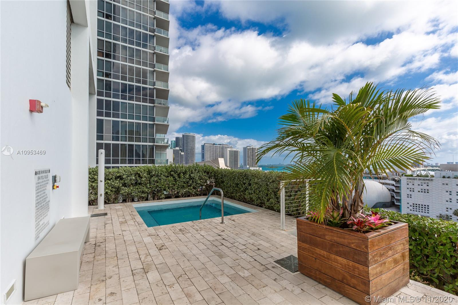 1040 Biscayne Blvd #1802 photo043