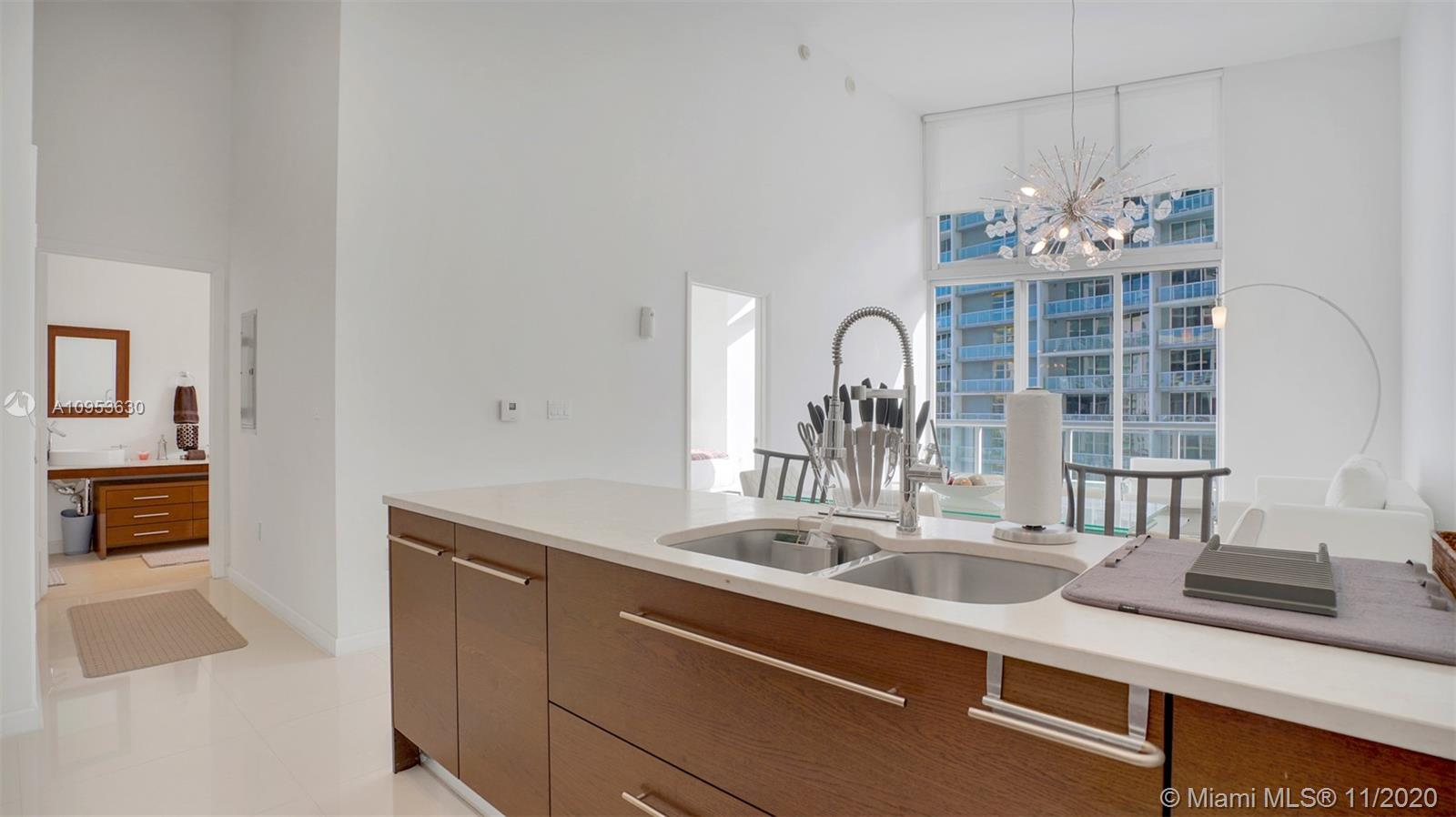 Photo of 475 BRICKELL AVE #2811 listing for Sale