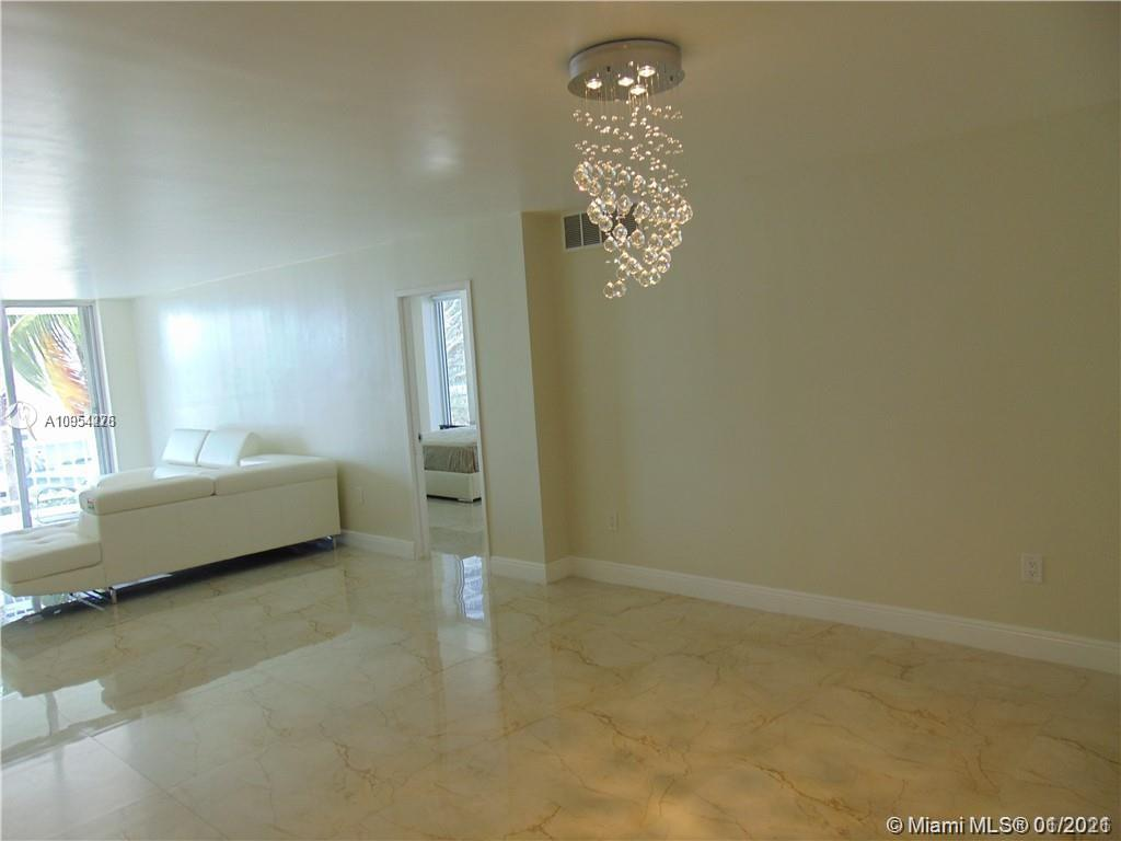 5701 Collins Ave #315 photo03