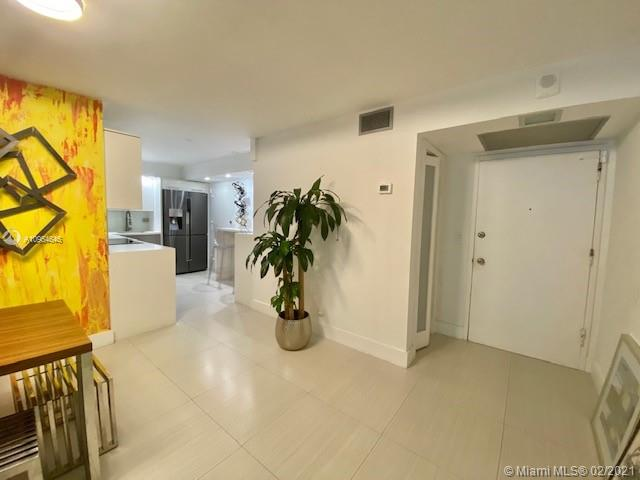 6039 Collins Ave #1123 photo018