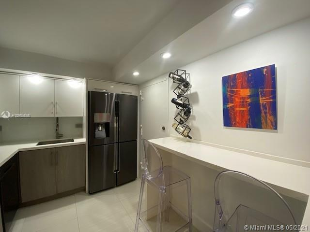 6039 Collins Ave #1123 photo019