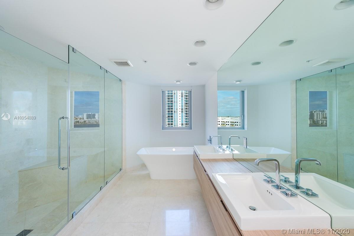 17111 Biscayne Blvd #803 photo019
