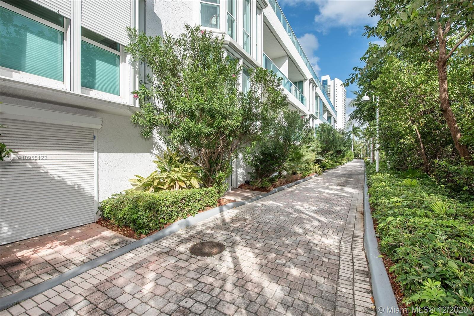Photo of 16400 Collins Ave #TH-5 listing for Sale