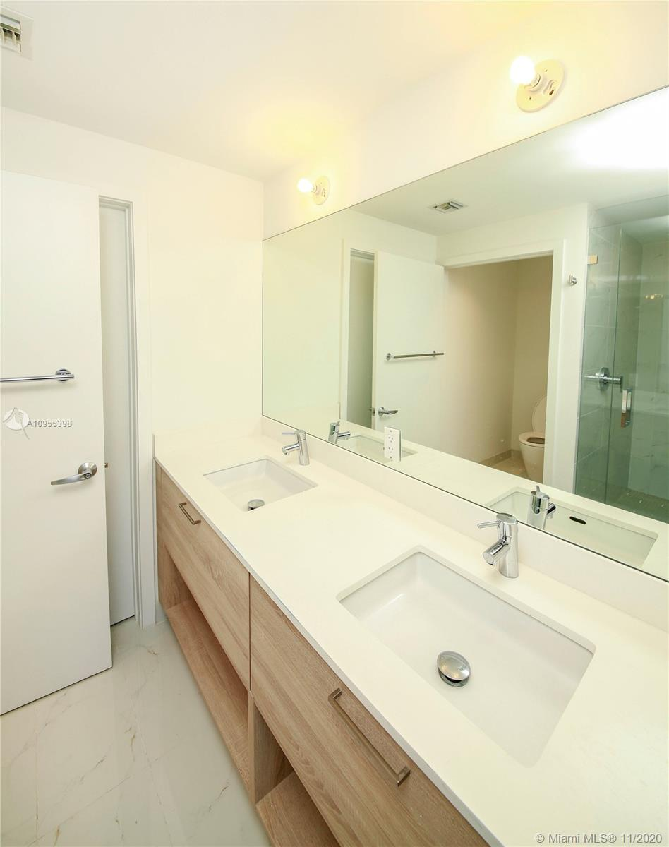 16385 Biscayne Blvd #1006 photo013
