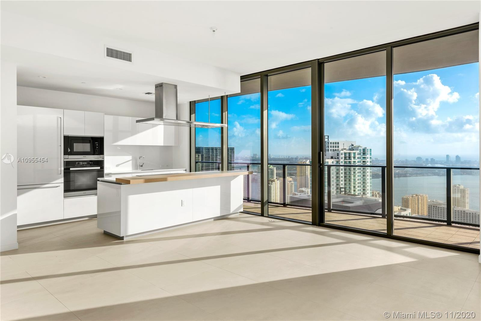 BRICKELL FLATIRON UNIT PH5701 PHOTO