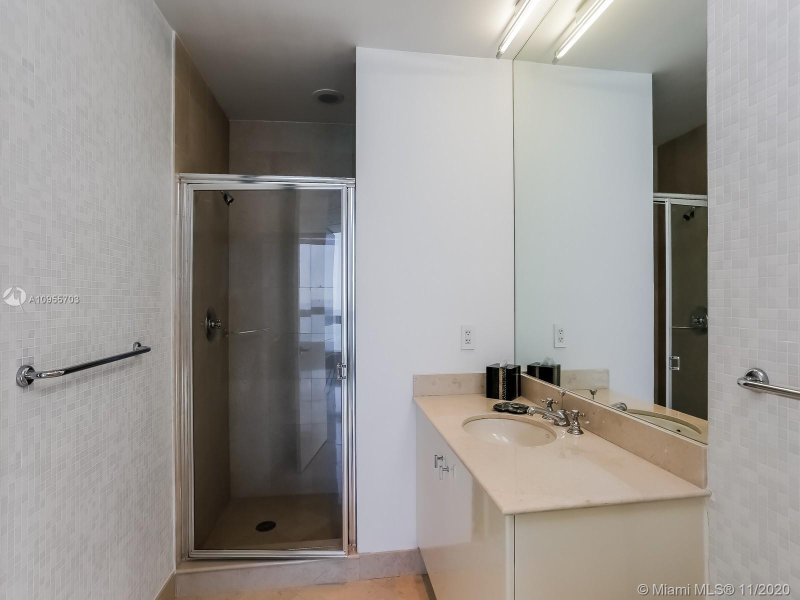 100 S Pointe Dr #2306 photo029