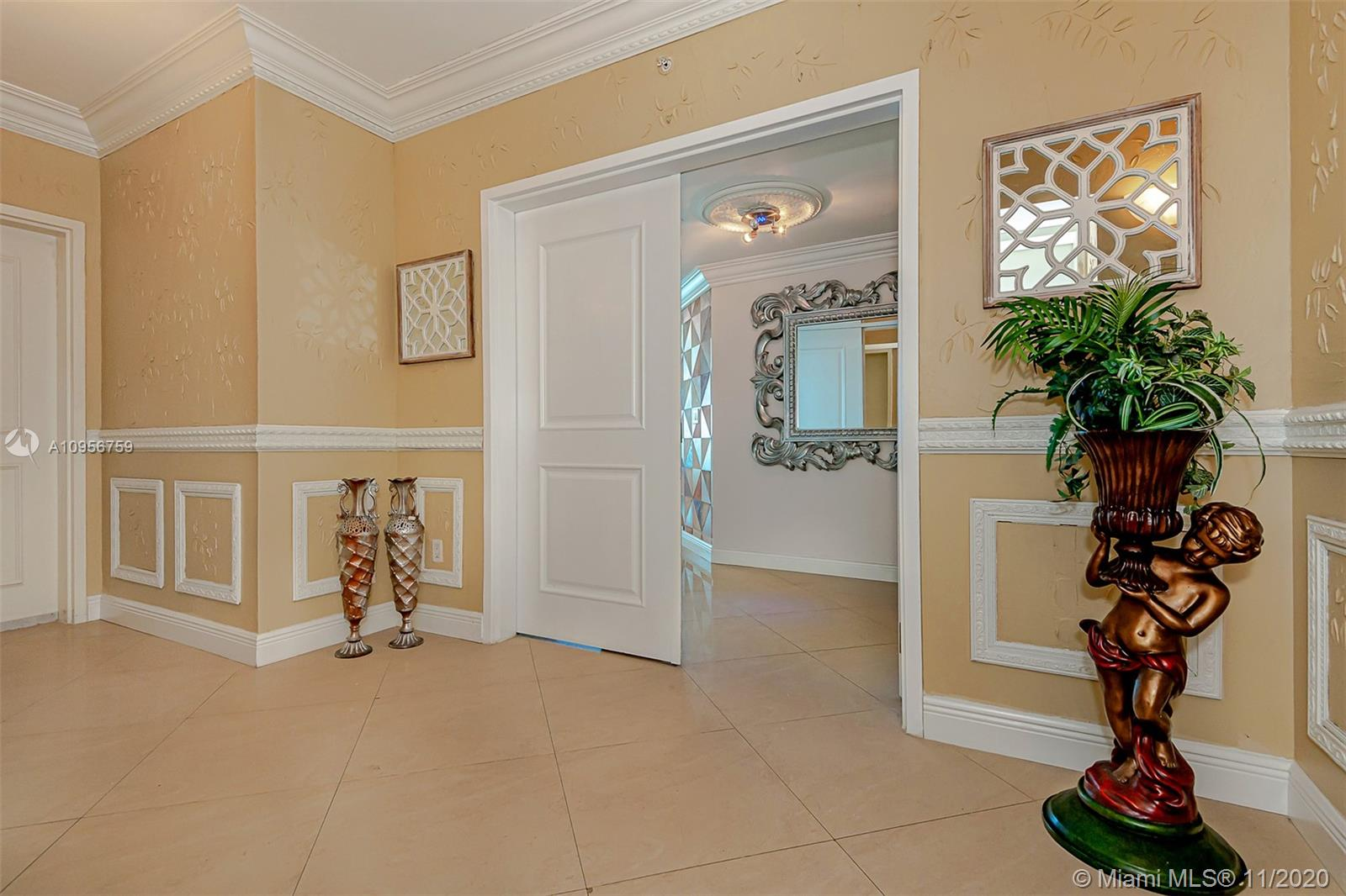 Photo of 3101 S Ocean Dr #1906 listing for Sale