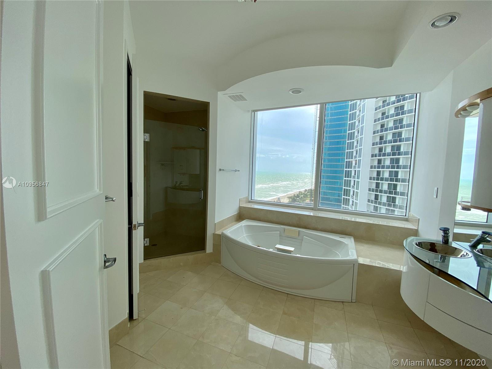 18101 Collins Ave #1601 photo016
