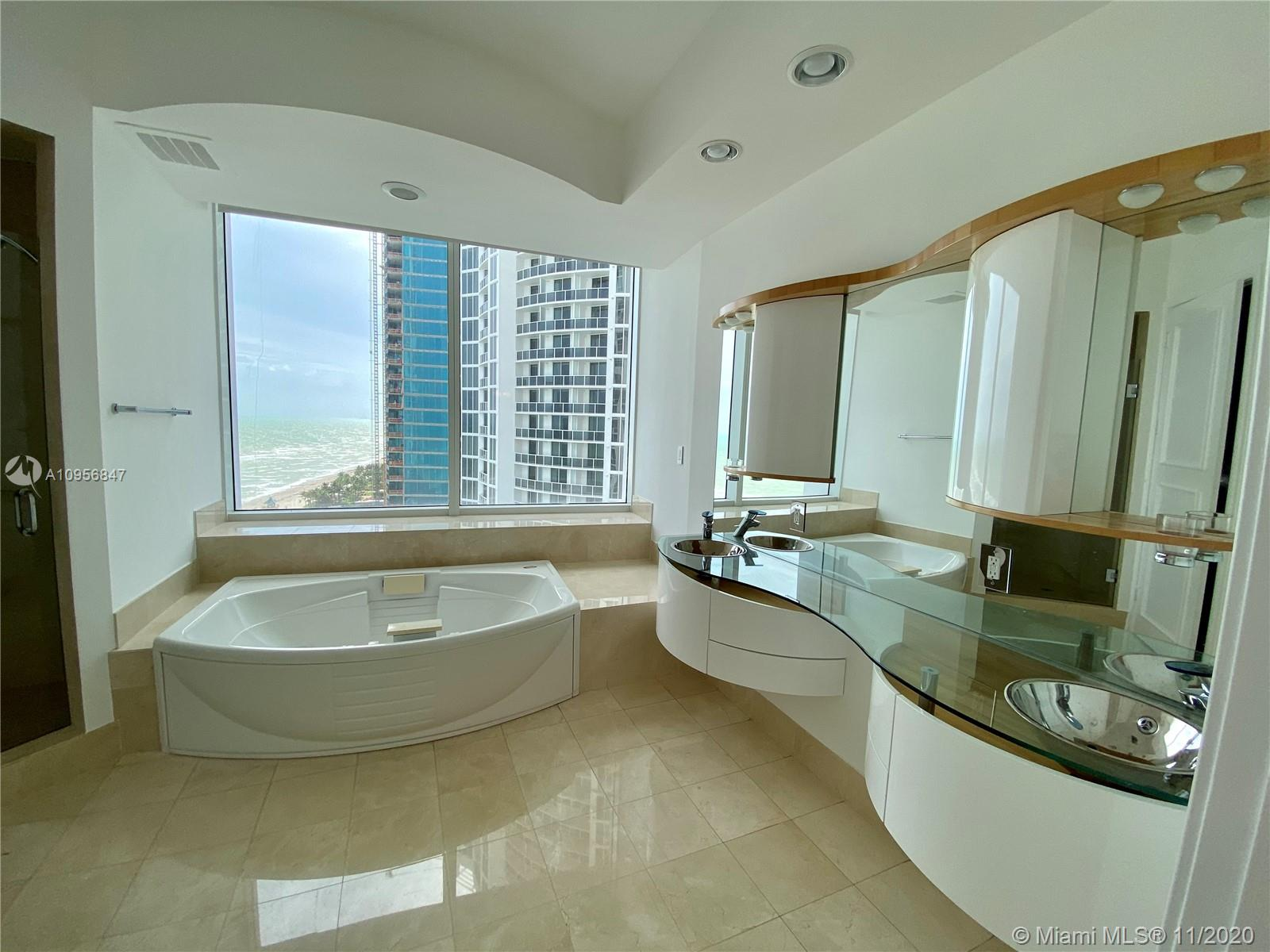 18101 Collins Ave #1601 photo015
