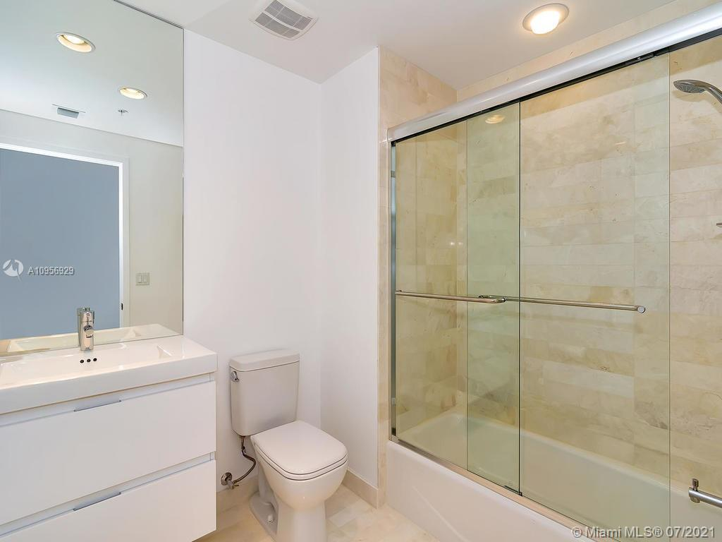 17301 Biscayne Blvd #306 photo017
