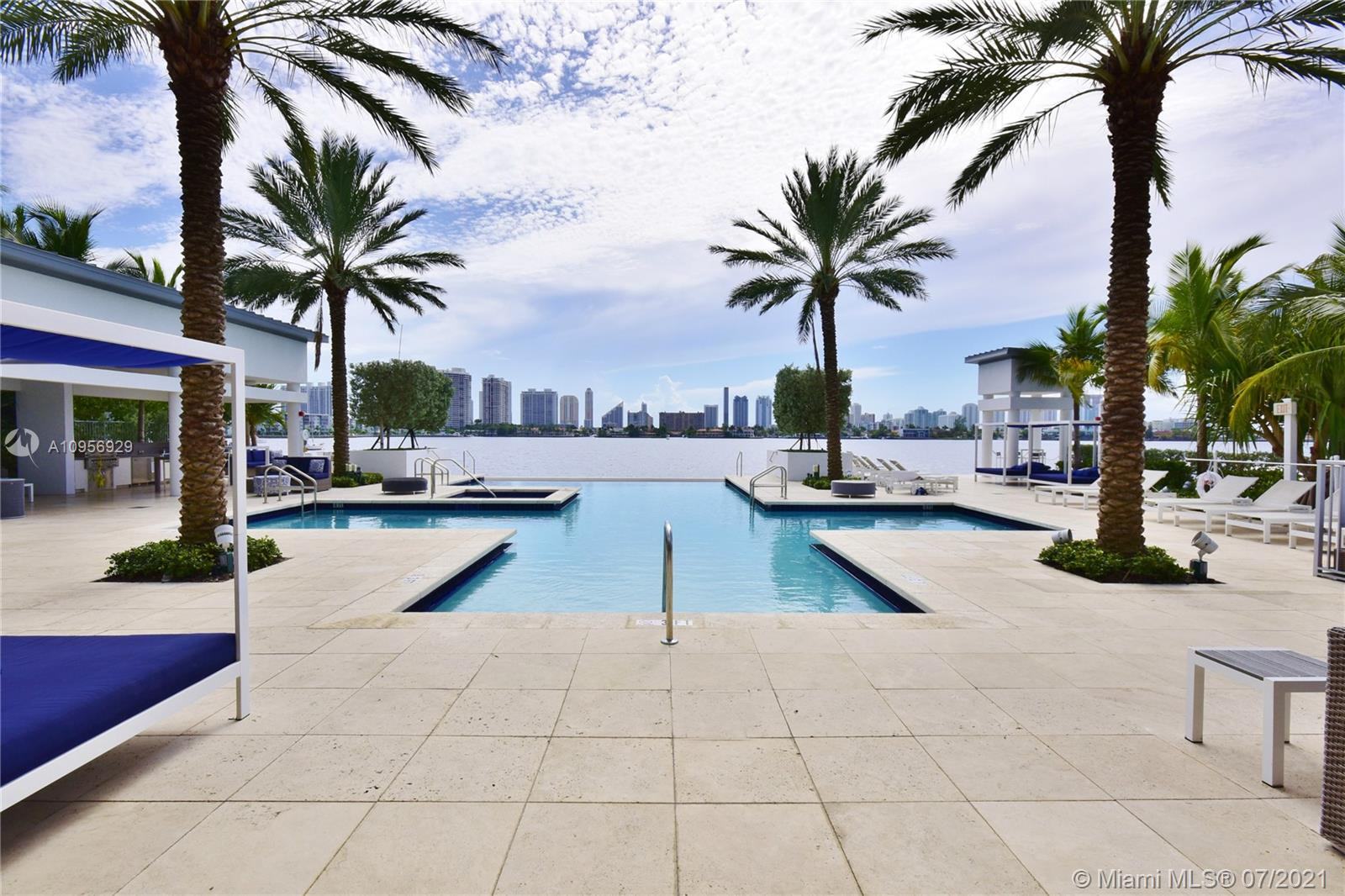 17301 Biscayne Blvd #306 photo030