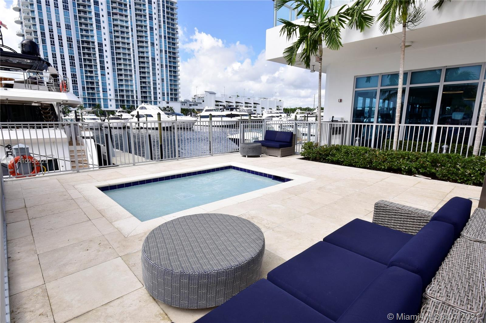 17301 Biscayne Blvd #306 photo033