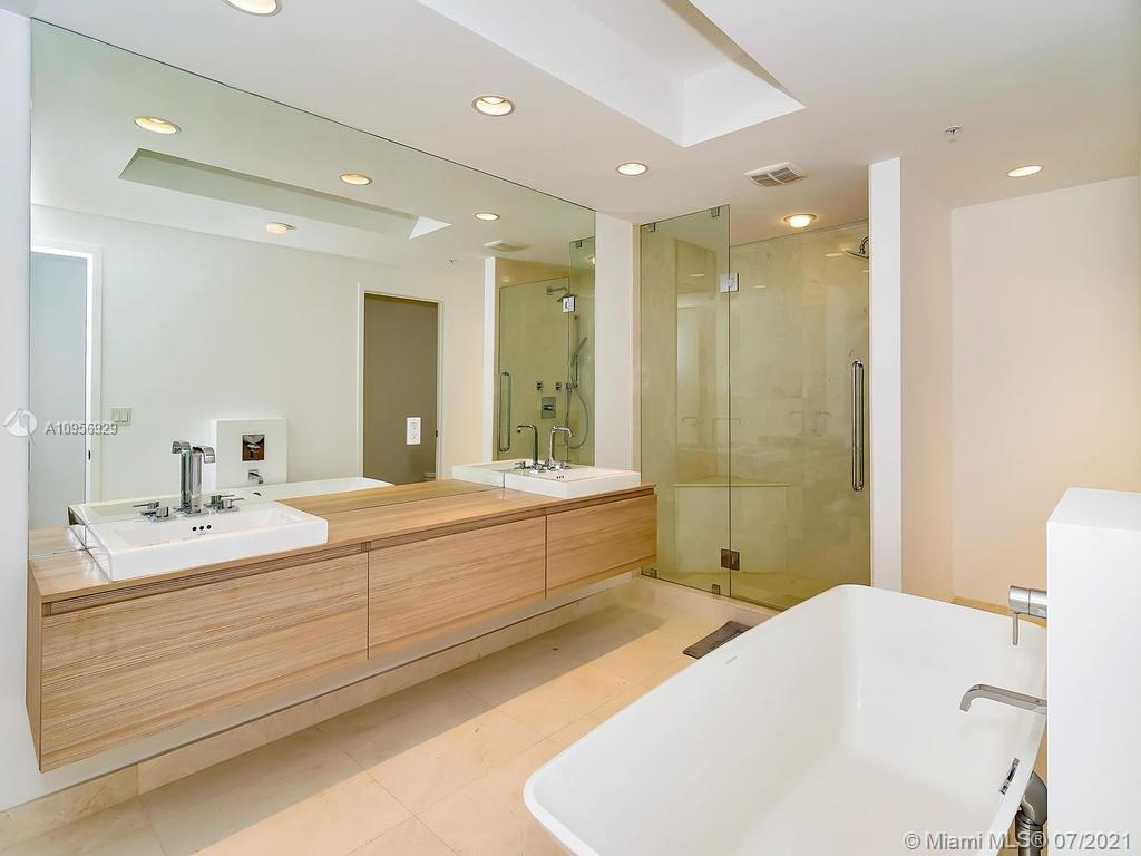 17301 Biscayne Blvd #306 photo014
