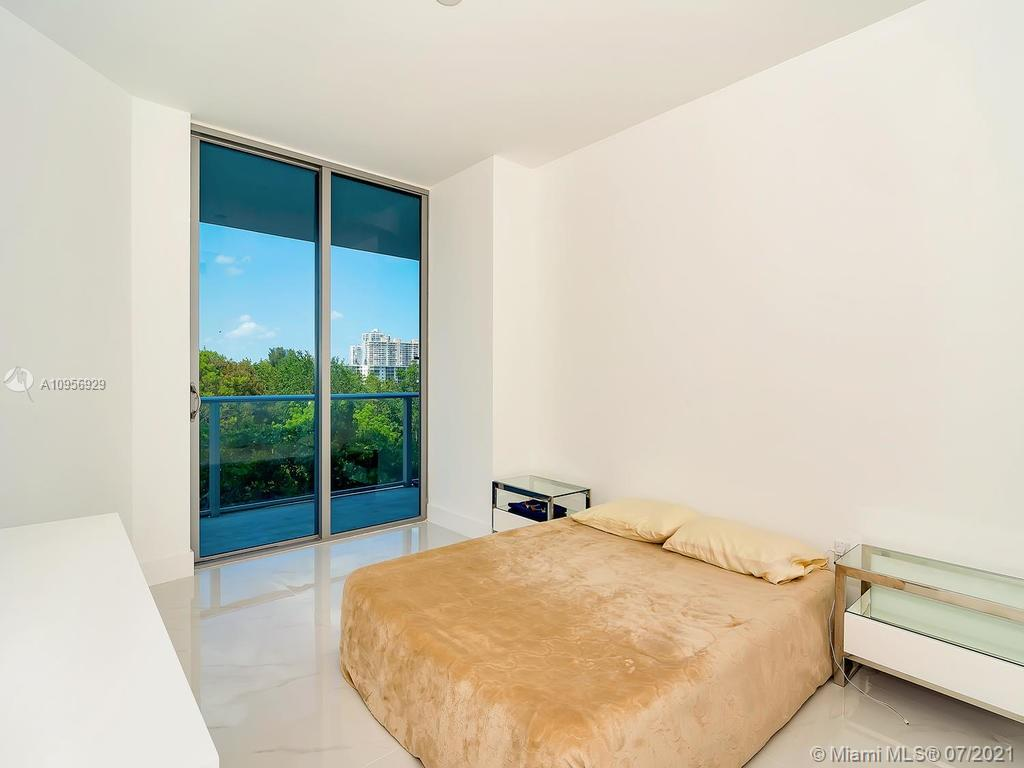 17301 Biscayne Blvd #306 photo018