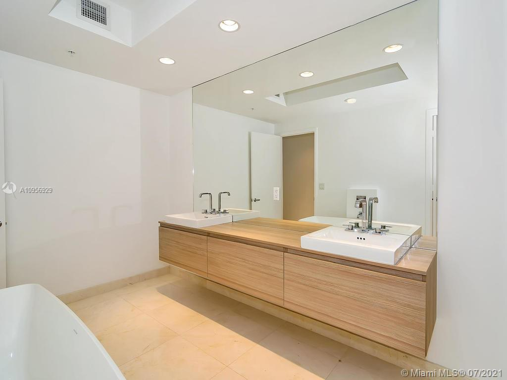 17301 Biscayne Blvd #306 photo015