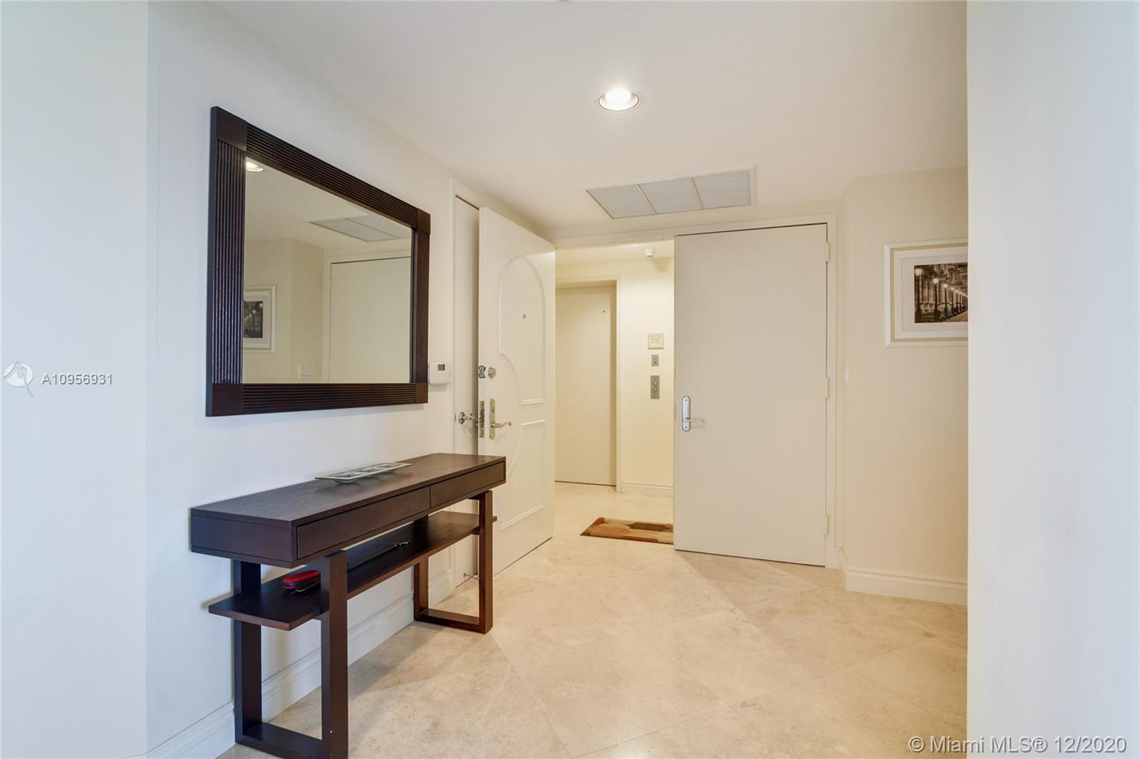 18911 Collins Ave #1207 photo02