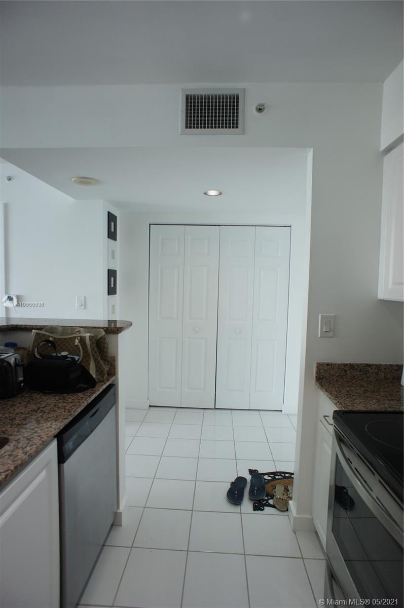 1155 Brickell Bay Dr #1607 photo012