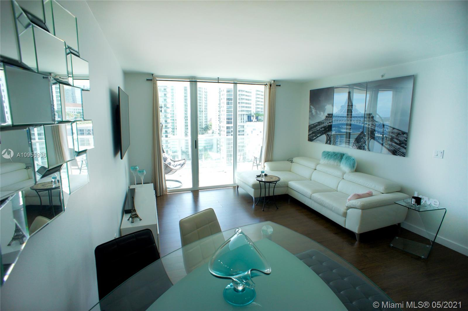 1155 Brickell Bay Dr #1607 photo03