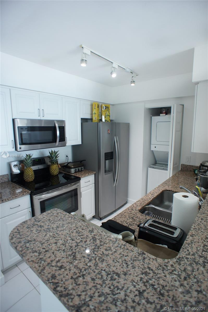 1155 Brickell Bay Dr #1607 photo05