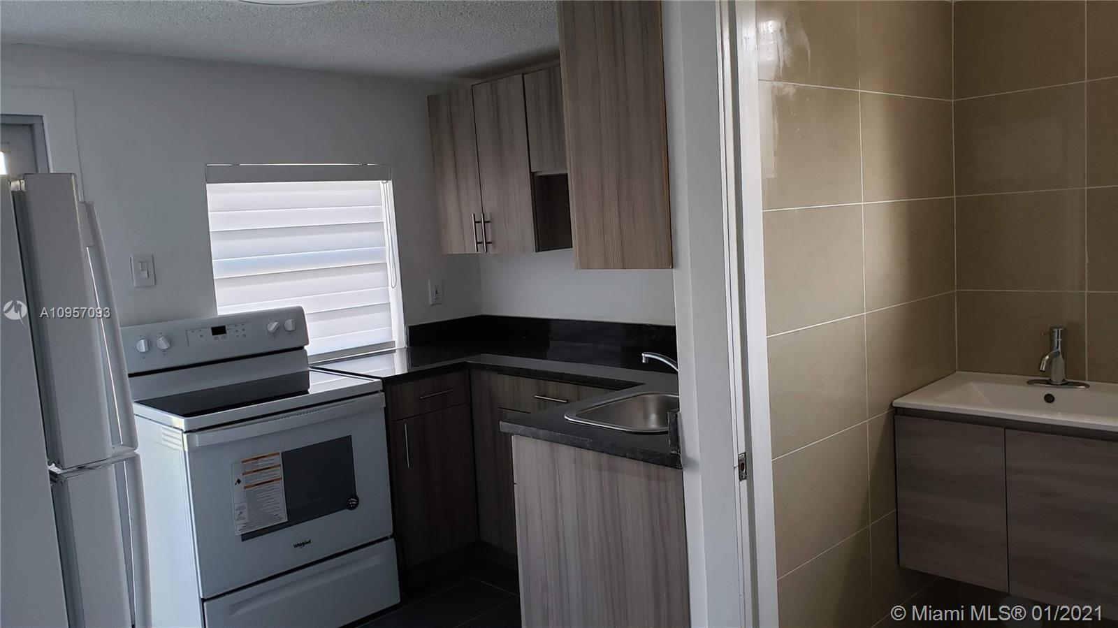 Kitchen - Efficiency/in-law quarters