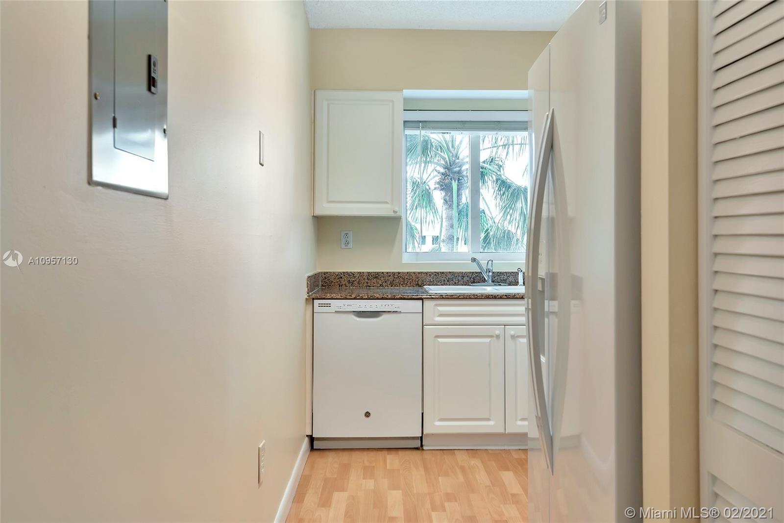 5900 Collins Ave #408 photo013