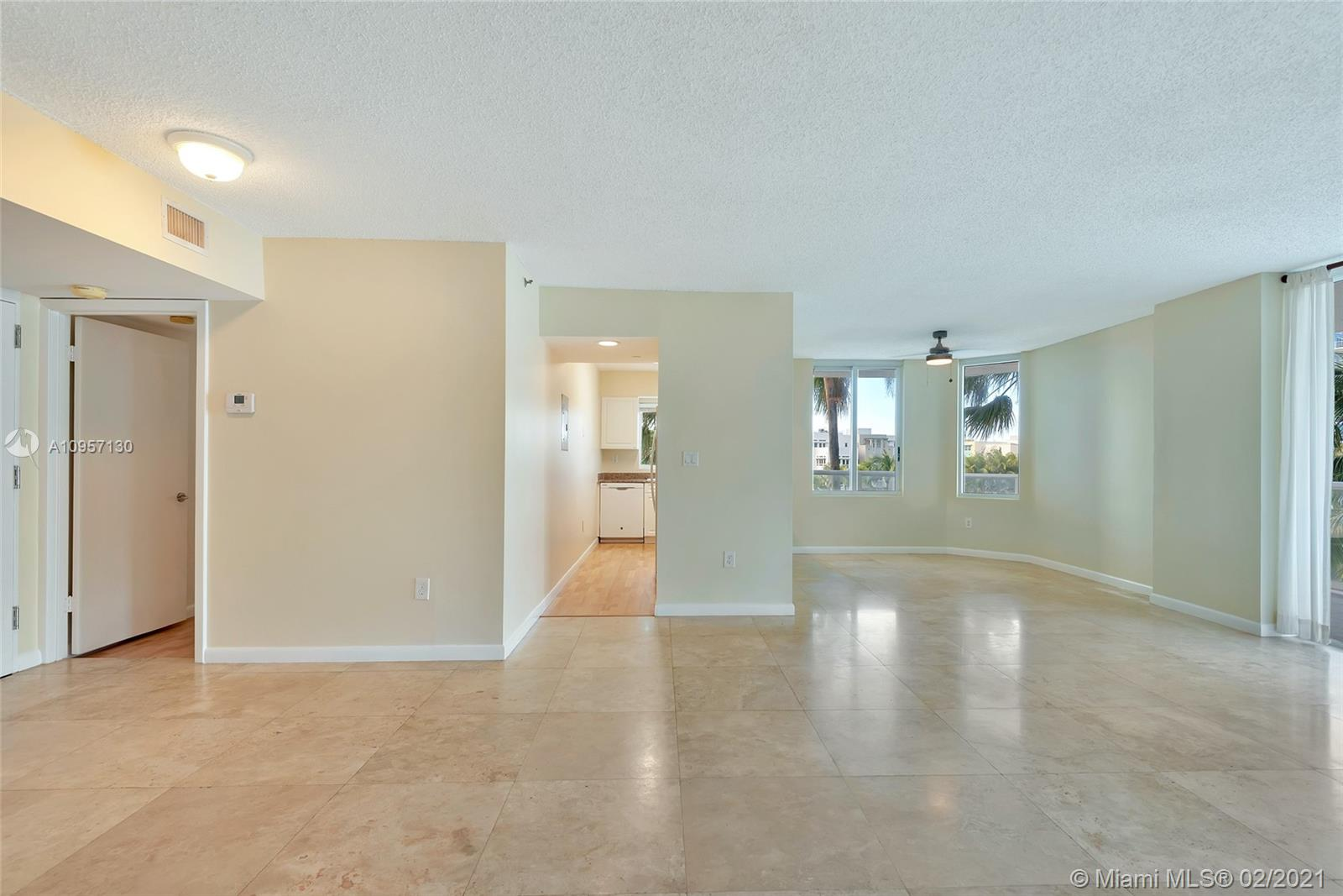 5900 Collins Ave #408 photo05