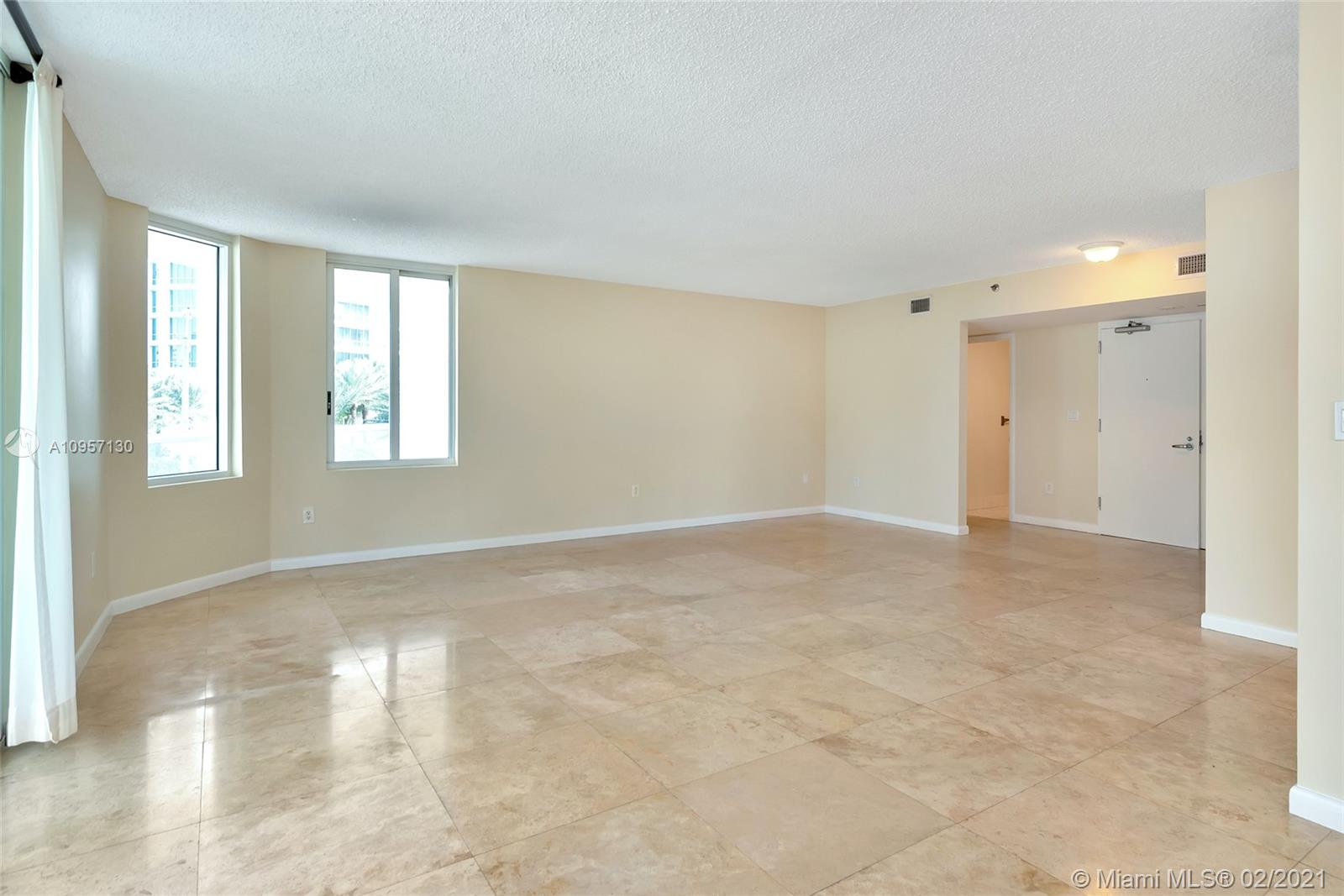 5900 Collins Ave #408 photo09