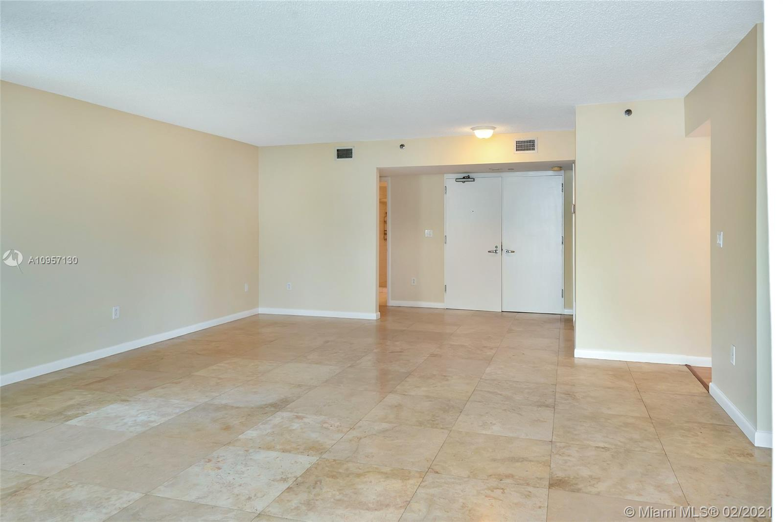 5900 Collins Ave #408 photo010