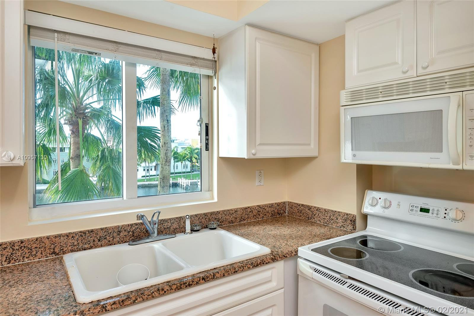 5900 Collins Ave #408 photo015