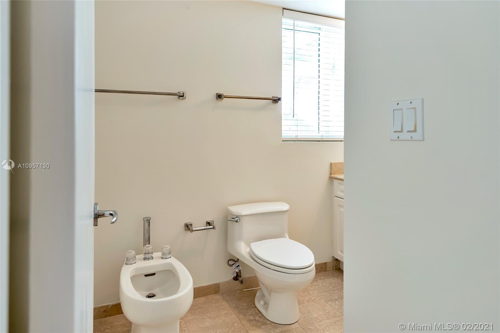 5900 Collins Ave #408 photo029