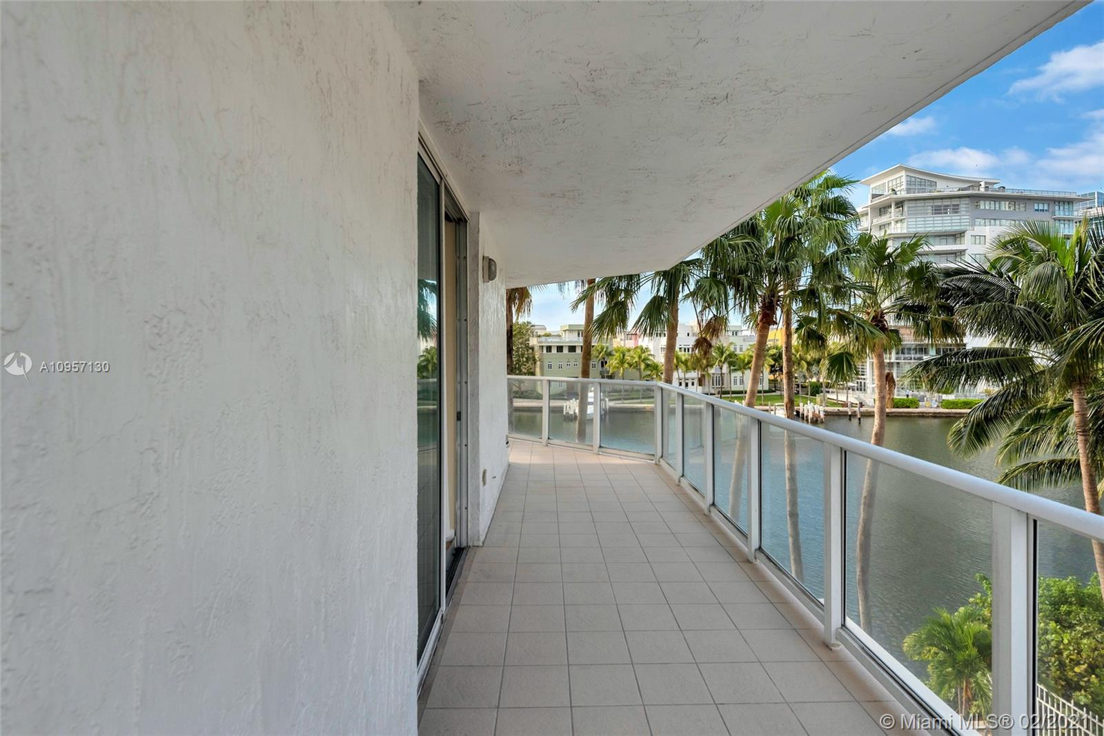 5900 Collins Ave #408 photo04