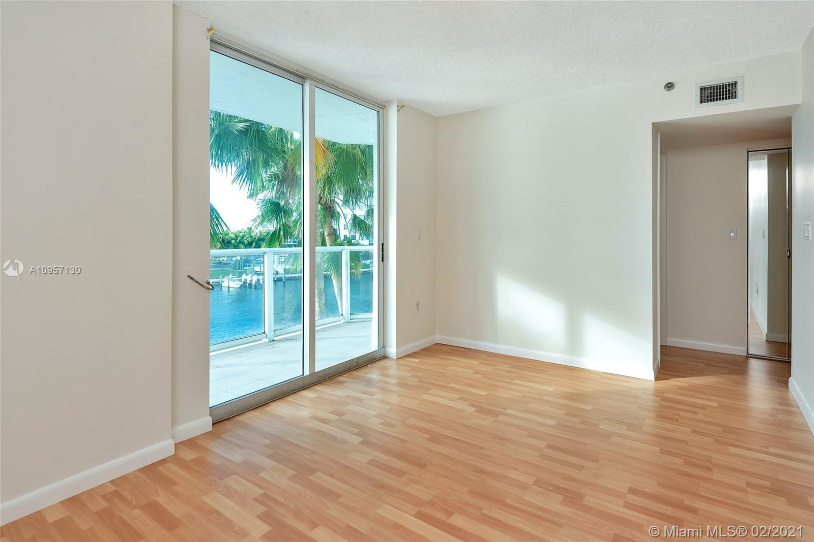 5900 Collins Ave #408 photo025