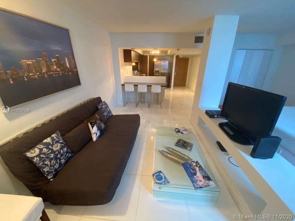 2301 Collins Ave #1023 photo01