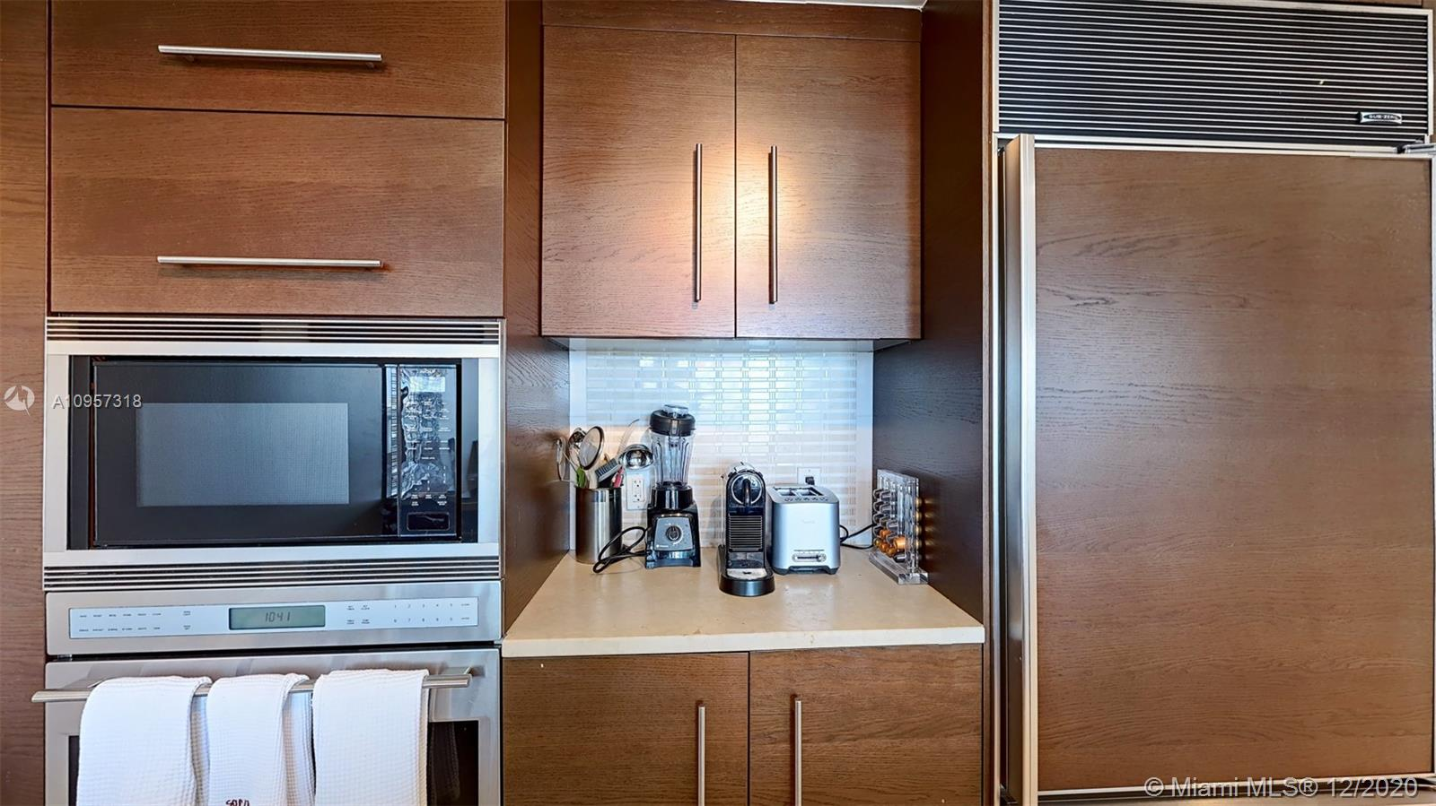 Photo of 465 Brickell Ave #916 listing for Sale